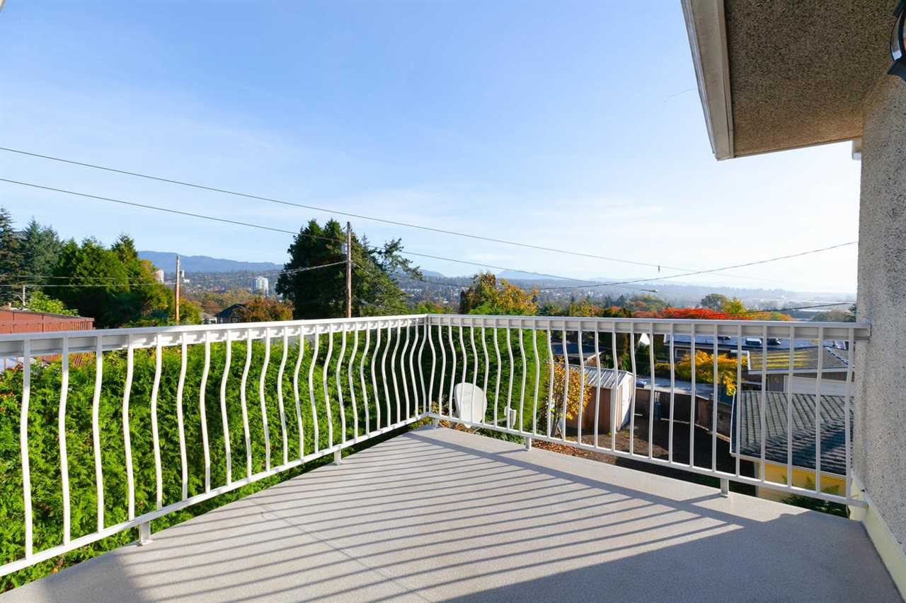 "Photo 10: Photos: 542 AMESS Street in New Westminster: The Heights NW House for sale in ""THE HEIGHTS"" : MLS®# R2315958"