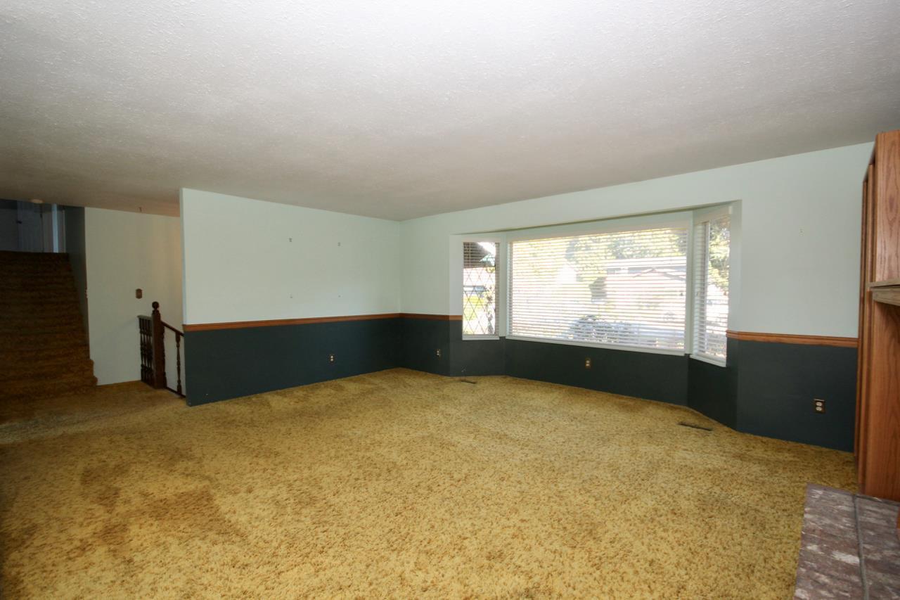 Photo 6: Photos: 211 52 Street in Delta: Pebble Hill House for sale (Tsawwassen)  : MLS®# R2330373
