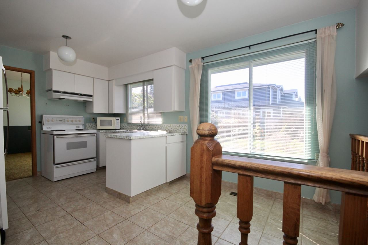 Photo 7: Photos: 211 52 Street in Delta: Pebble Hill House for sale (Tsawwassen)  : MLS®# R2330373