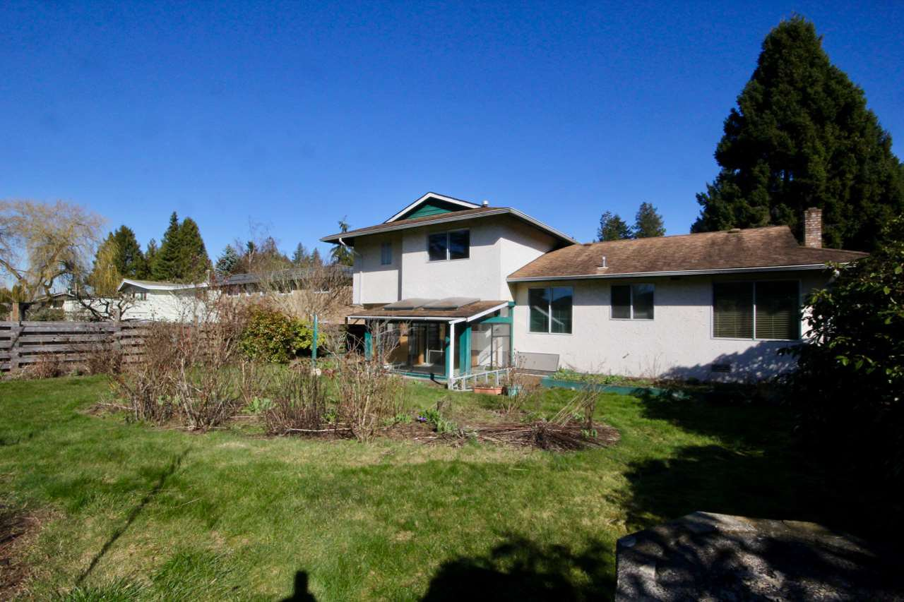 Photo 1: Photos: 211 52 Street in Delta: Pebble Hill House for sale (Tsawwassen)  : MLS®# R2330373