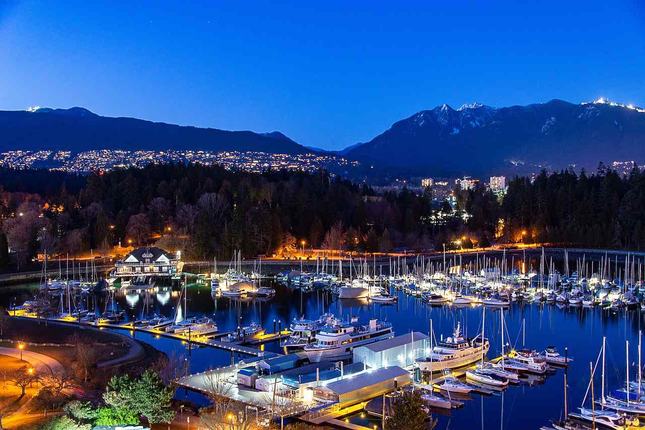 "Main Photo: 1502 1790 BAYSHORE Drive in Vancouver: Coal Harbour Condo for sale in ""BAYSHORE GARDENS"" (Vancouver West)  : MLS®# R2345156"