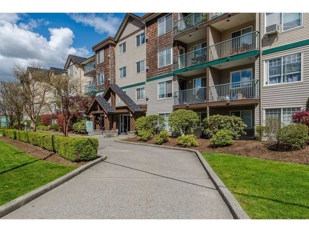 "Main Photo: 403 2350 WESTERLY Street in Abbotsford: Abbotsford West Condo for sale in ""Stonecroft Estates"" : MLS®# R2359486"
