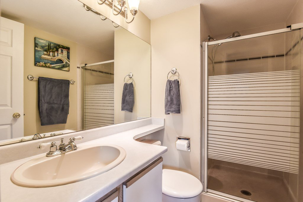 """Photo 14: Photos: 217 4889 53 Street in Ladner: Hawthorne Condo for sale in """"Green Gables"""" : MLS®# R2382103"""