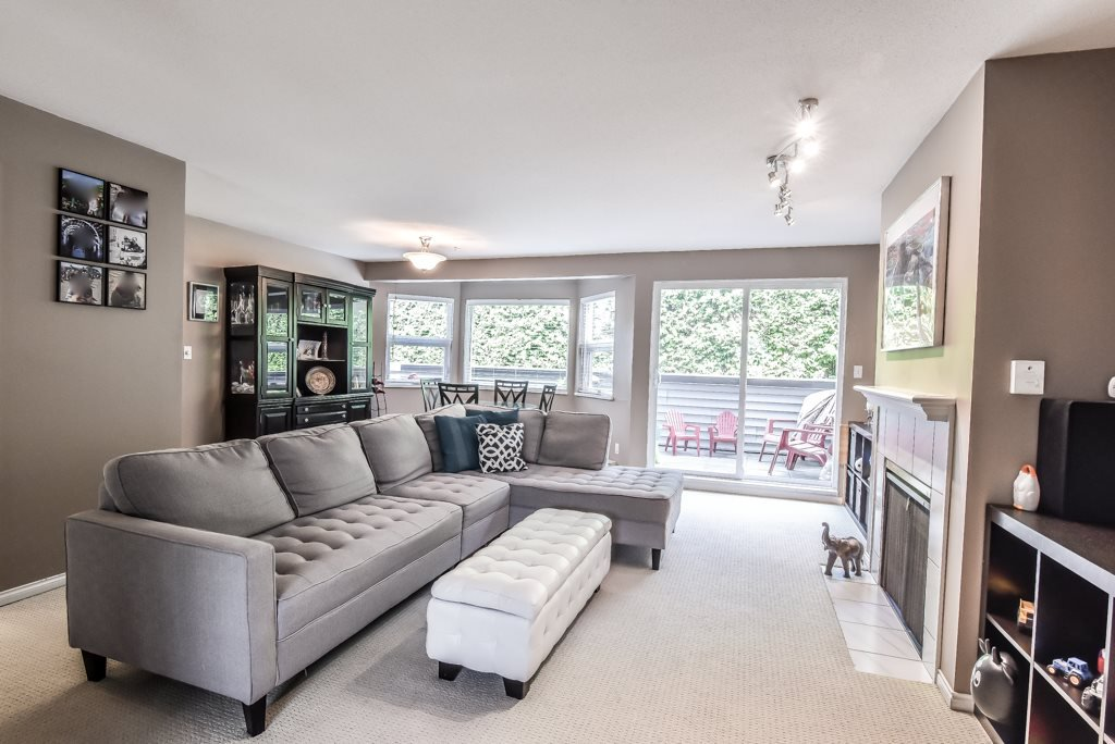 """Photo 3: Photos: 217 4889 53 Street in Ladner: Hawthorne Condo for sale in """"Green Gables"""" : MLS®# R2382103"""