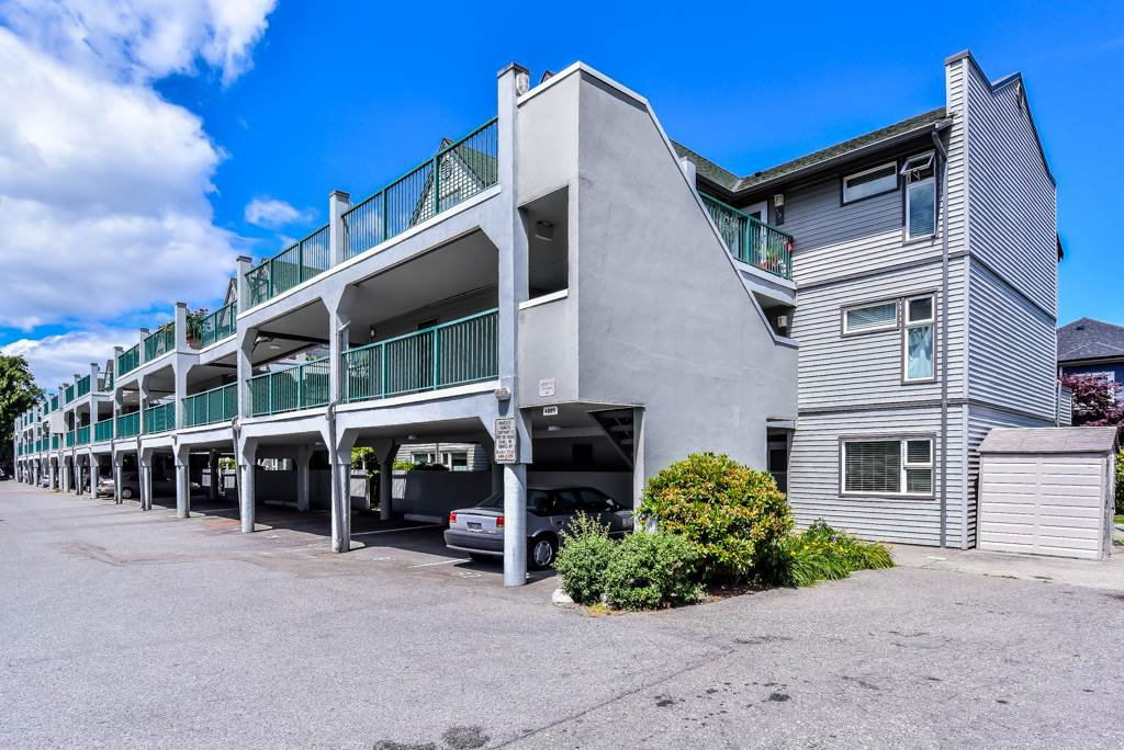 """Photo 2: Photos: 217 4889 53 Street in Ladner: Hawthorne Condo for sale in """"Green Gables"""" : MLS®# R2382103"""