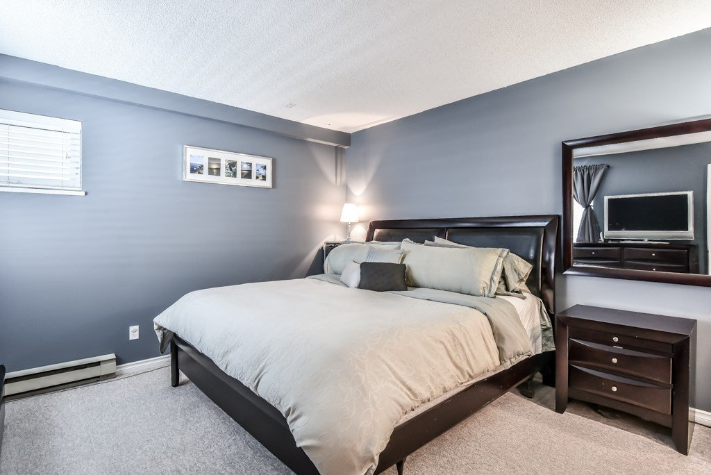 """Photo 11: Photos: 217 4889 53 Street in Ladner: Hawthorne Condo for sale in """"Green Gables"""" : MLS®# R2382103"""