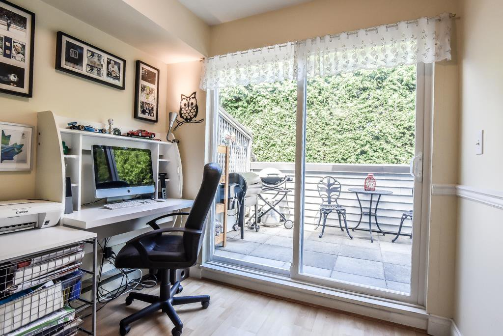 """Photo 5: Photos: 217 4889 53 Street in Ladner: Hawthorne Condo for sale in """"Green Gables"""" : MLS®# R2382103"""