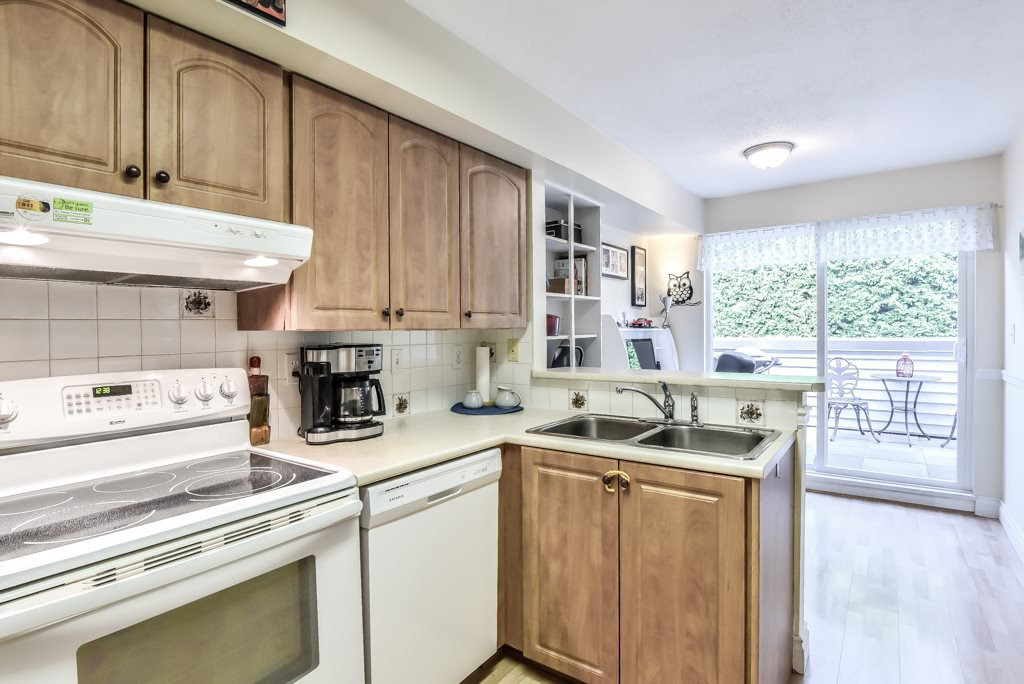 """Photo 10: Photos: 217 4889 53 Street in Ladner: Hawthorne Condo for sale in """"Green Gables"""" : MLS®# R2382103"""
