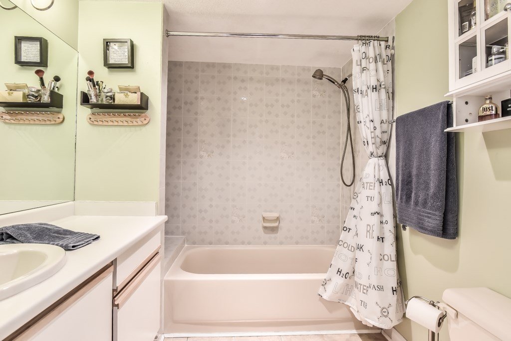 """Photo 15: Photos: 217 4889 53 Street in Ladner: Hawthorne Condo for sale in """"Green Gables"""" : MLS®# R2382103"""