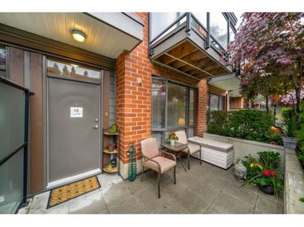 """Main Photo: 18 130 BREW Street in Port Moody: Port Moody Centre Townhouse for sale in """"City homes"""" : MLS®# R2387554"""