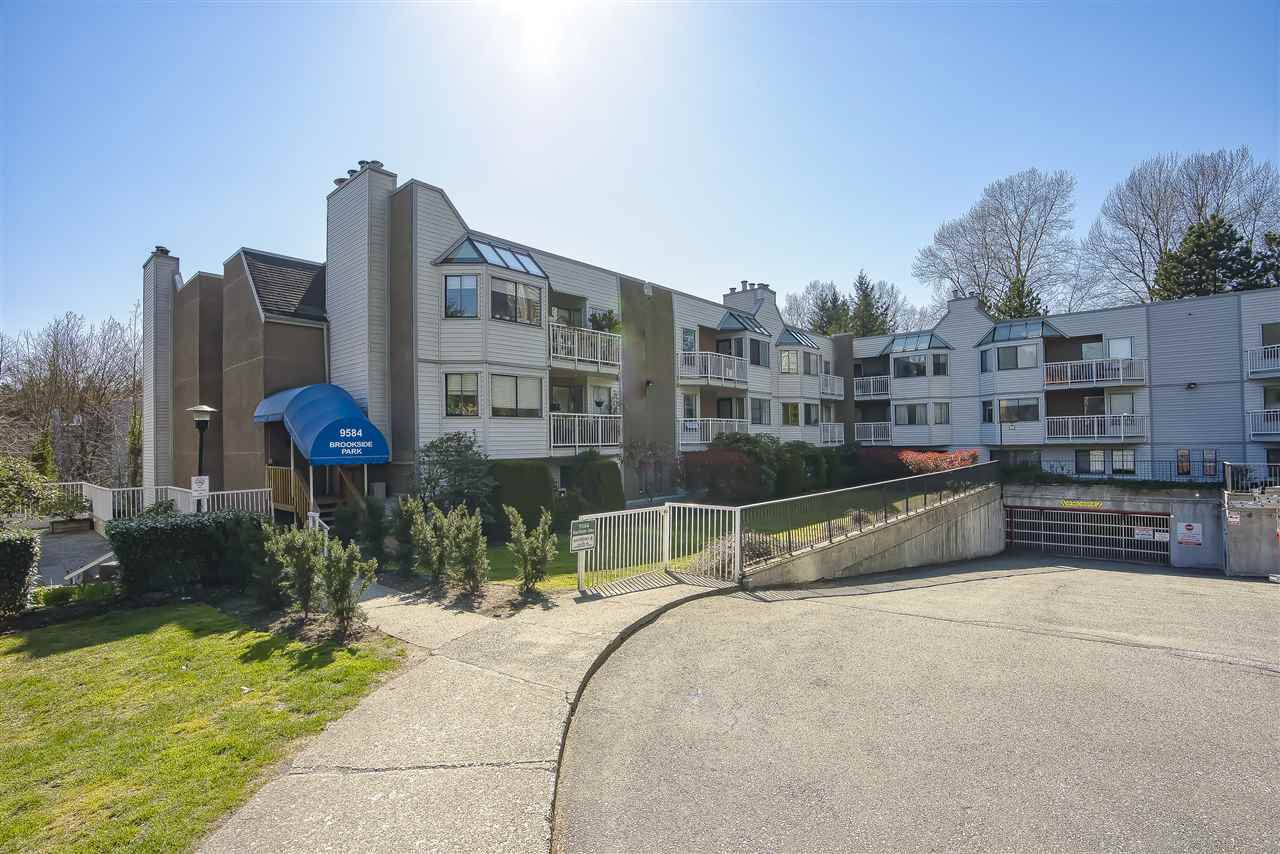 "Main Photo: 113 9584 MANCHESTER Drive in Burnaby: Cariboo Condo for sale in ""BROOKSIDE PARK"" (Burnaby North)  : MLS®# R2449182"