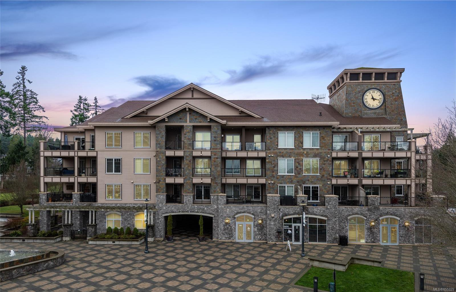 Main Photo: 404 1335 Bear Mountain Pkwy in : La Bear Mountain Condo for sale (Langford)  : MLS®# 855329