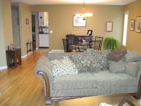 Photo 4: Photos: 907 Battle St.: House for sale (South Kamloops)  : MLS®# New