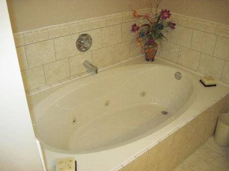 Photo 11: Photos: 907 Battle St.: House for sale (South Kamloops)  : MLS®# New