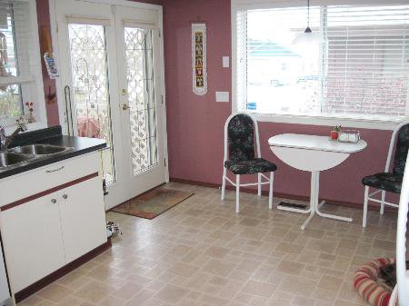 Photo 7: Photos: 907 Battle St.: House for sale (South Kamloops)  : MLS®# New