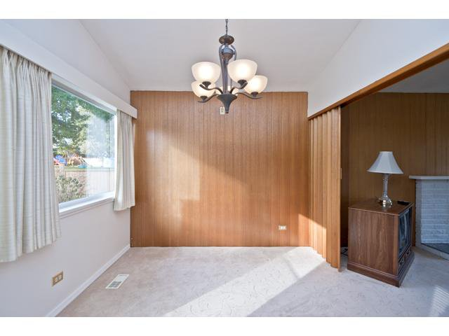 Photo 3: Photos: 1560 Harbour Drive in Coquitlam: Harbour Place House for sale : MLS®# V868002