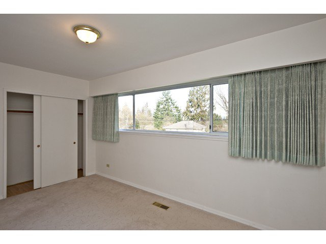 Photo 4: Photos: 1560 Harbour Drive in Coquitlam: Harbour Place House for sale : MLS®# V868002