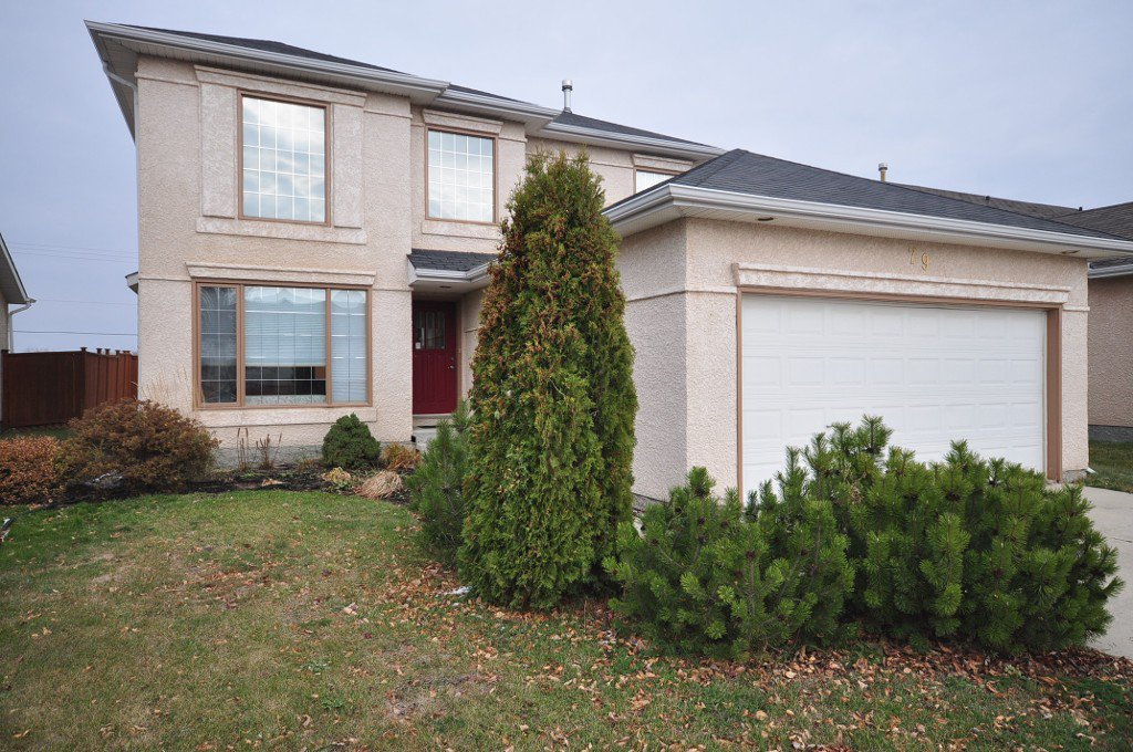 FABULOUS Lovingly Updated 1725 sf Two Storey Sterling Home in Southland Park.
