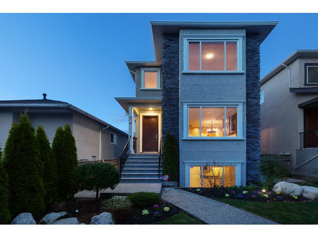 Main Photo: 3955 PARKER Street in Burnaby: Willingdon Heights House for sale (Burnaby North)  : MLS®# V992982