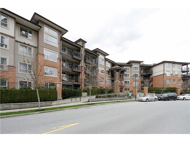 """Main Photo: 415 600 KLAHANIE Drive in Port Moody: Port Moody Centre Condo for sale in """"BOARDWALK"""" : MLS®# V1056883"""