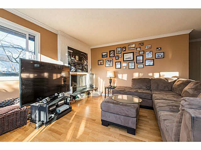 "Main Photo: 201 2770 BURRARD Street in Vancouver: Fairview VW Condo for sale in ""El Burrardo"" (Vancouver West)  : MLS®# V1107446"