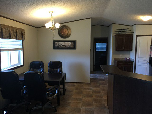 Photo 9: Photos: 9339 120TH Avenue in Fort St. John: Fort St. John - Rural E 100th Manufactured Home for sale (Fort St. John (Zone 60))  : MLS®# N244202