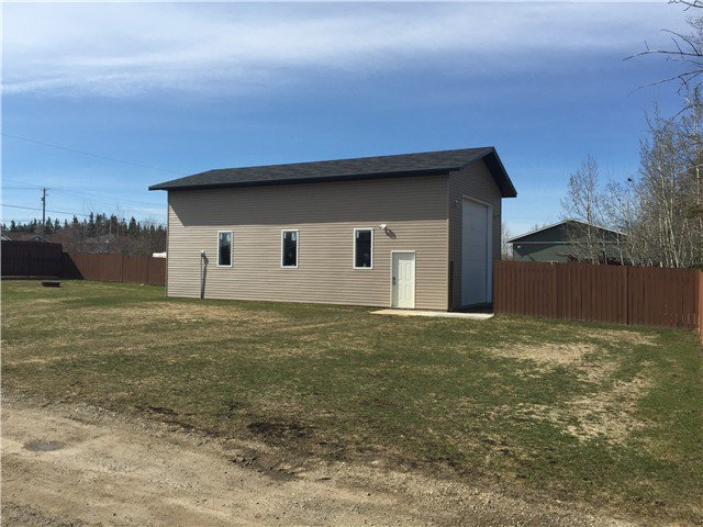 Photo 2: Photos: 9339 120TH Avenue in Fort St. John: Fort St. John - Rural E 100th Manufactured Home for sale (Fort St. John (Zone 60))  : MLS®# N244202