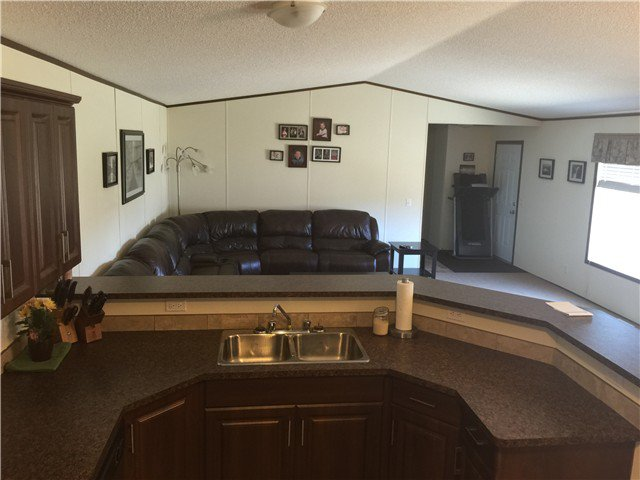 Photo 8: Photos: 9339 120TH Avenue in Fort St. John: Fort St. John - Rural E 100th Manufactured Home for sale (Fort St. John (Zone 60))  : MLS®# N244202