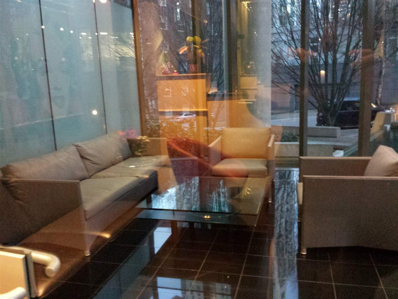 """Photo 8: Photos: 2206 1331 W GEORGIA Street in Vancouver: Coal Harbour Condo for sale in """"THE POINTE"""" (Vancouver West)  : MLS®# R2028676"""