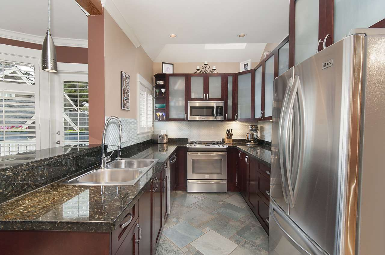 Photo 8: Photos: 1918 W 11TH Avenue in Vancouver: Kitsilano Townhouse for sale (Vancouver West)  : MLS®# R2066055
