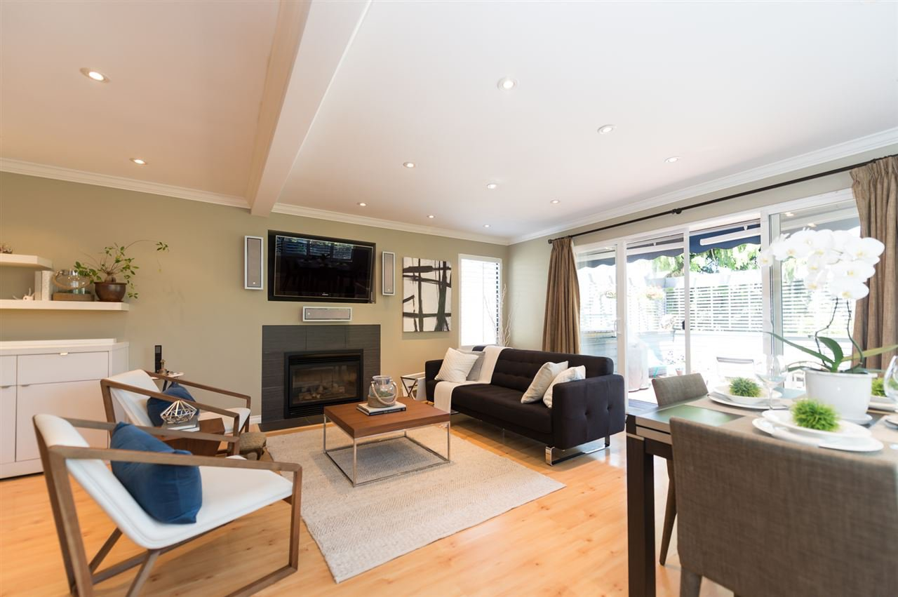Main Photo: 3153 W 3RD Avenue in Vancouver: Kitsilano 1/2 Duplex for sale (Vancouver West)  : MLS®# R2077742