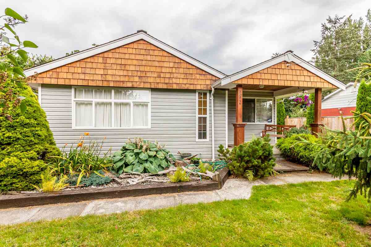 Main Photo: 33916 VICTORY Boulevard in Abbotsford: Central Abbotsford House for sale : MLS®# R2092219