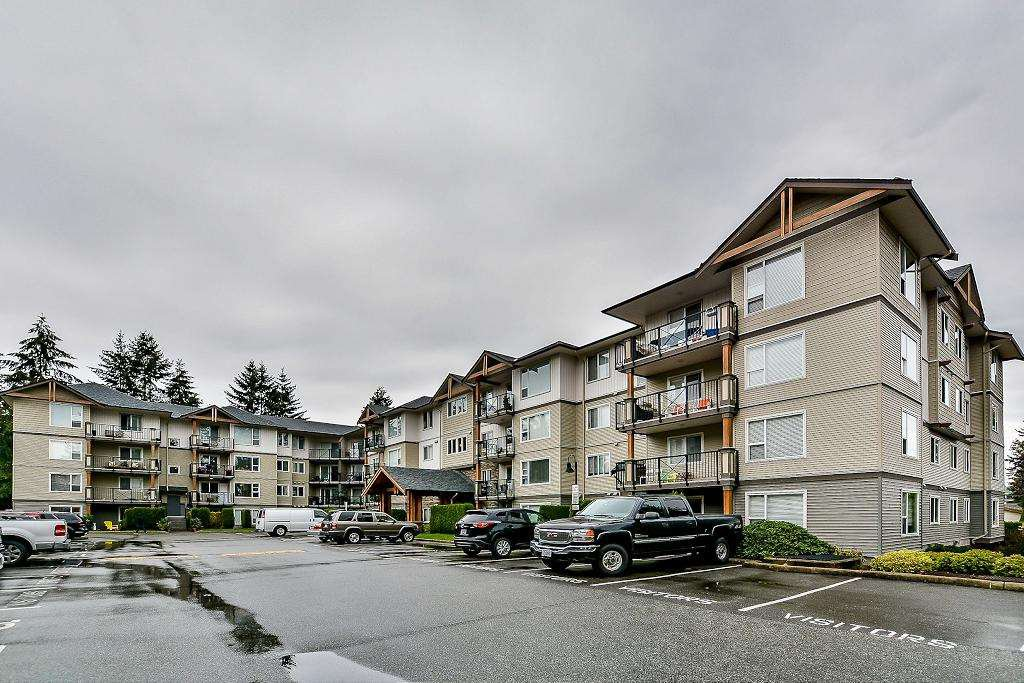 """Main Photo: 204 2990 BOULDER Street in Abbotsford: Abbotsford West Condo for sale in """"WESTWOOD"""" : MLS®# R2104788"""