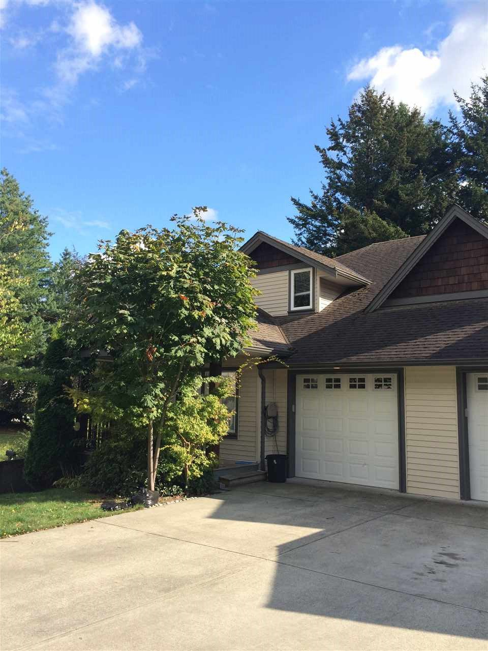 Main Photo: 33508 3RD Avenue in Mission: Mission BC House for sale : MLS®# R2106541
