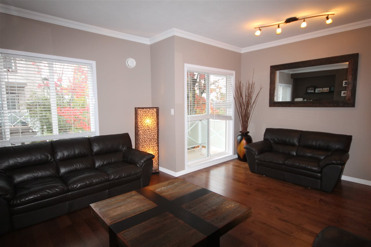 """Photo 3: Photos: 1 15133 29A Avenue in Surrey: King George Corridor Townhouse for sale in """"Stonewoods"""" (South Surrey White Rock)  : MLS®# R2117048"""