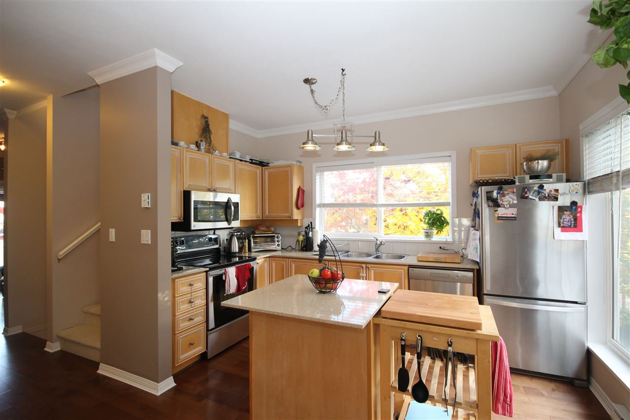 """Photo 8: Photos: 1 15133 29A Avenue in Surrey: King George Corridor Townhouse for sale in """"Stonewoods"""" (South Surrey White Rock)  : MLS®# R2117048"""