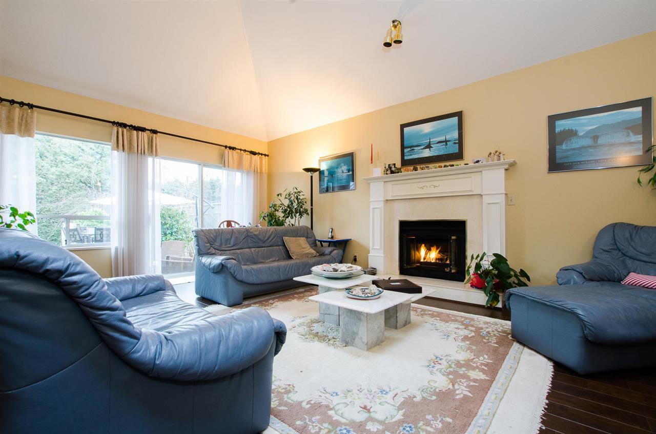 "Photo 3: Photos: 11868 WOODLYNN Court in Delta: Sunshine Hills Woods House for sale in ""Sunshine Hills"" (N. Delta)  : MLS®# R2141097"
