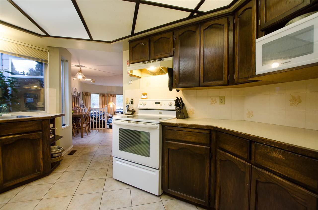 "Photo 9: Photos: 11868 WOODLYNN Court in Delta: Sunshine Hills Woods House for sale in ""Sunshine Hills"" (N. Delta)  : MLS®# R2141097"