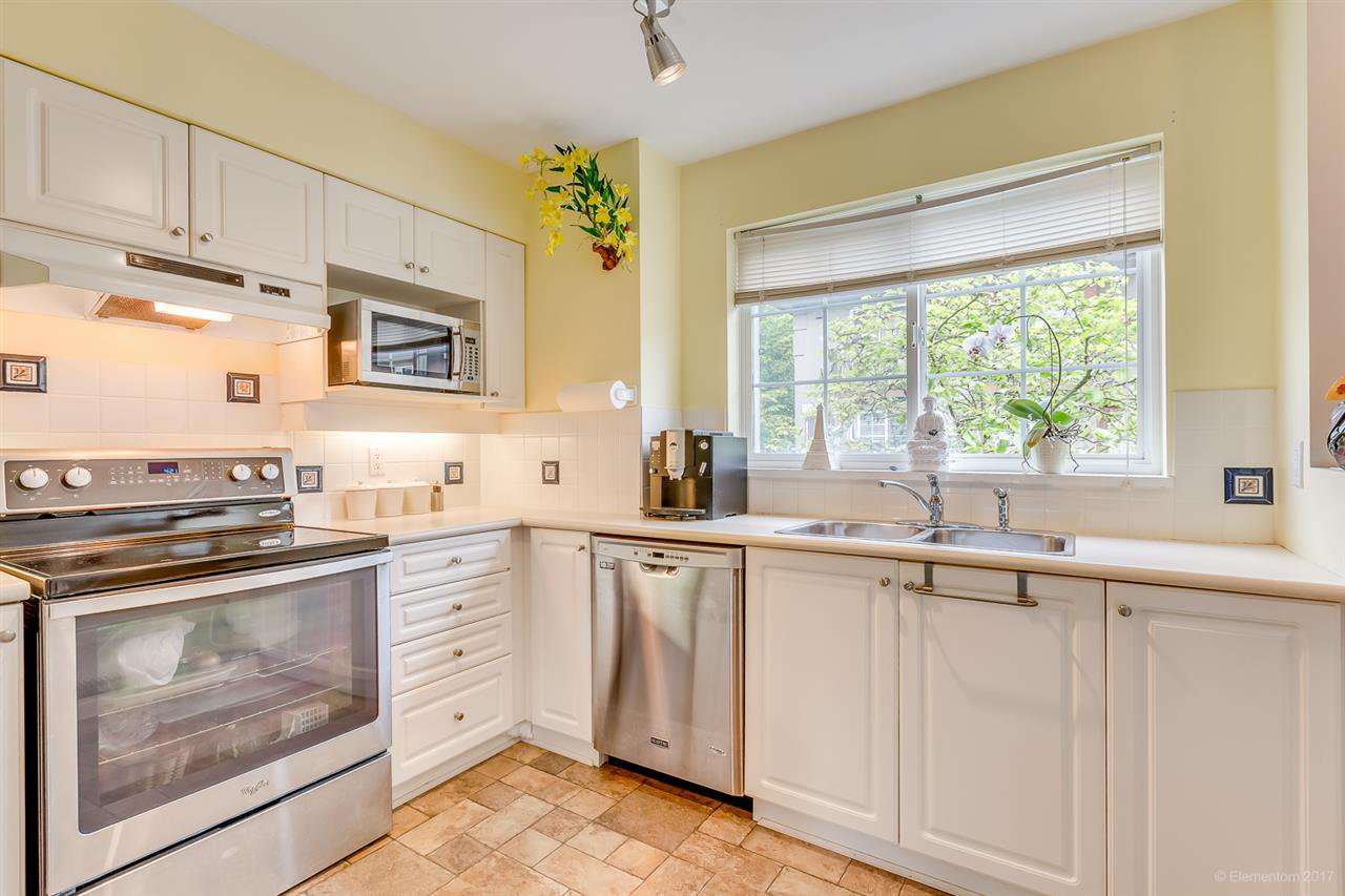 Photo 9: Photos: 39 1561 BOOTH Avenue in Coquitlam: Maillardville Townhouse for sale : MLS®# R2164462