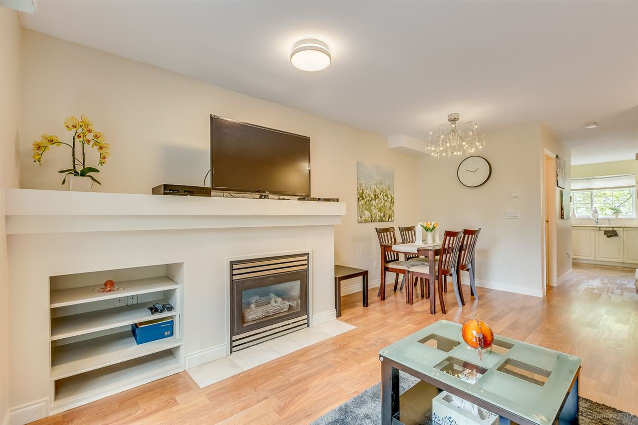 Photo 4: Photos: 39 1561 BOOTH Avenue in Coquitlam: Maillardville Townhouse for sale : MLS®# R2164462