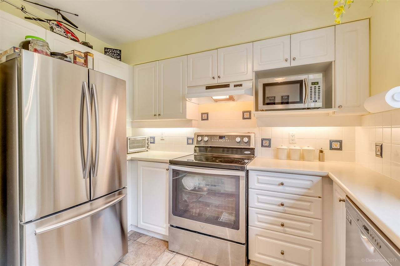 Photo 11: Photos: 39 1561 BOOTH Avenue in Coquitlam: Maillardville Townhouse for sale : MLS®# R2164462