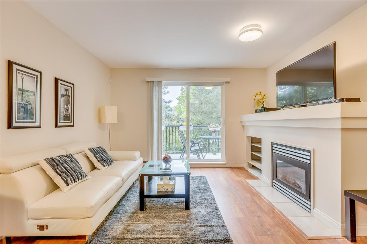 Photo 3: Photos: 39 1561 BOOTH Avenue in Coquitlam: Maillardville Townhouse for sale : MLS®# R2164462
