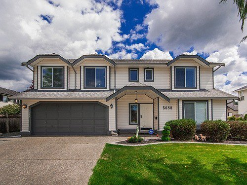 Main Photo: 5088 215A Street in Langley: Home for sale : MLS®# F1412450