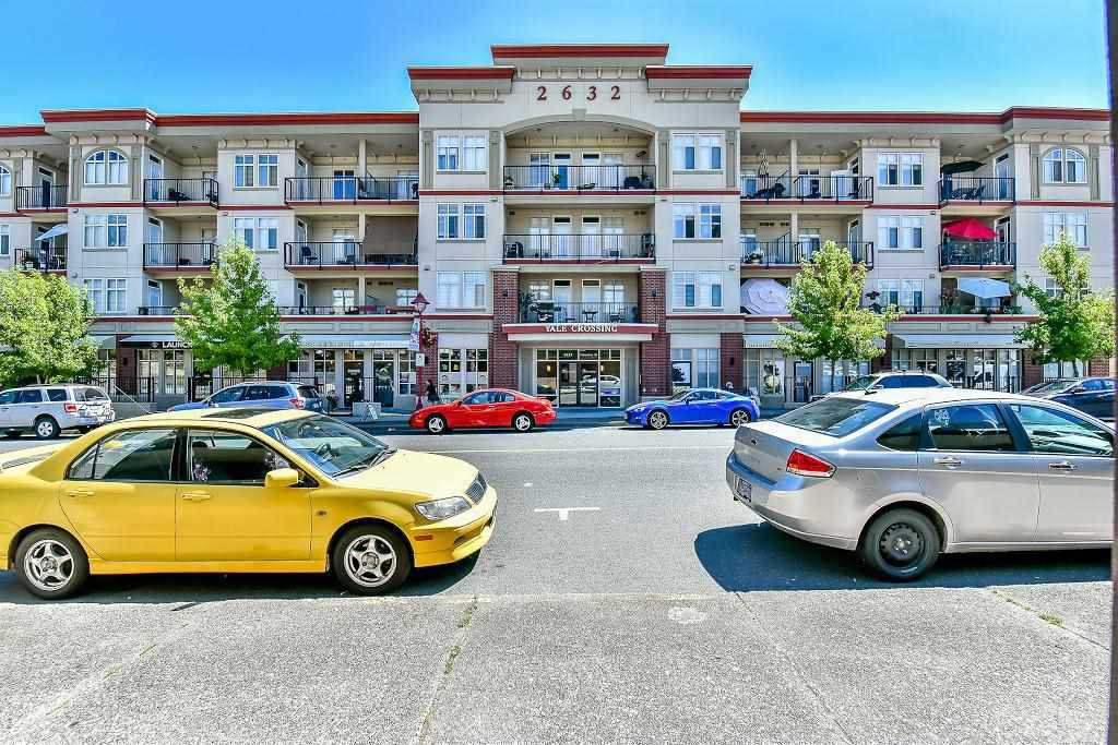"Main Photo: 414 2632 PAULINE Street in Abbotsford: Central Abbotsford Condo for sale in ""YALE CROSSING"" : MLS®# R2190393"