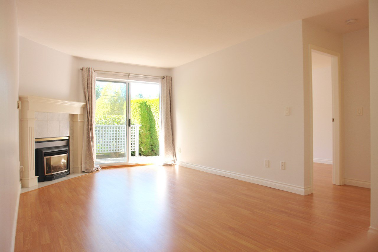 "Photo 8: Photos: 101 11578 225 Street in Maple Ridge: East Central Condo for sale in ""THE WILLOWS"" : MLS®# R2201639"