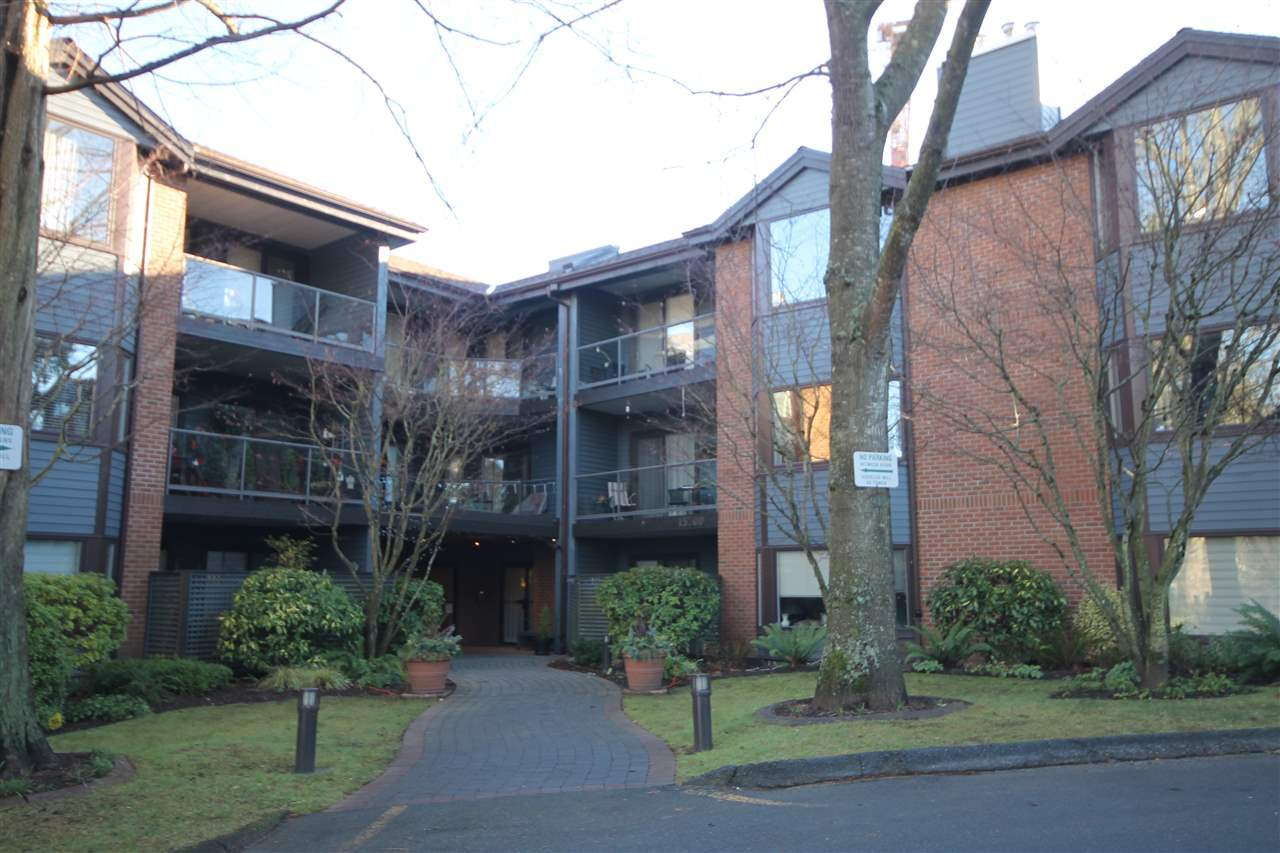 "Main Photo: 107 15300 17TH Avenue in Surrey: King George Corridor Condo for sale in ""Cambridge Two"" (South Surrey White Rock)  : MLS®# R2238511"