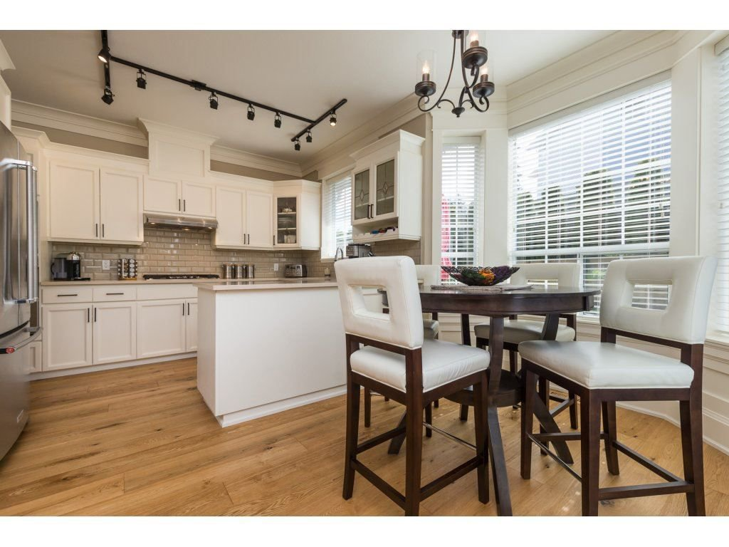 """Photo 11: Photos: 31 2688 150 Street in Surrey: Sunnyside Park Surrey Townhouse for sale in """"Westmoor"""" (South Surrey White Rock)  : MLS®# R2256437"""