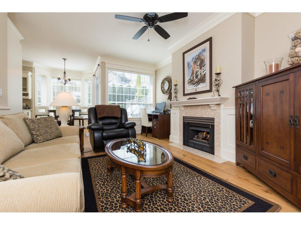 """Photo 8: Photos: 31 2688 150 Street in Surrey: Sunnyside Park Surrey Townhouse for sale in """"Westmoor"""" (South Surrey White Rock)  : MLS®# R2256437"""