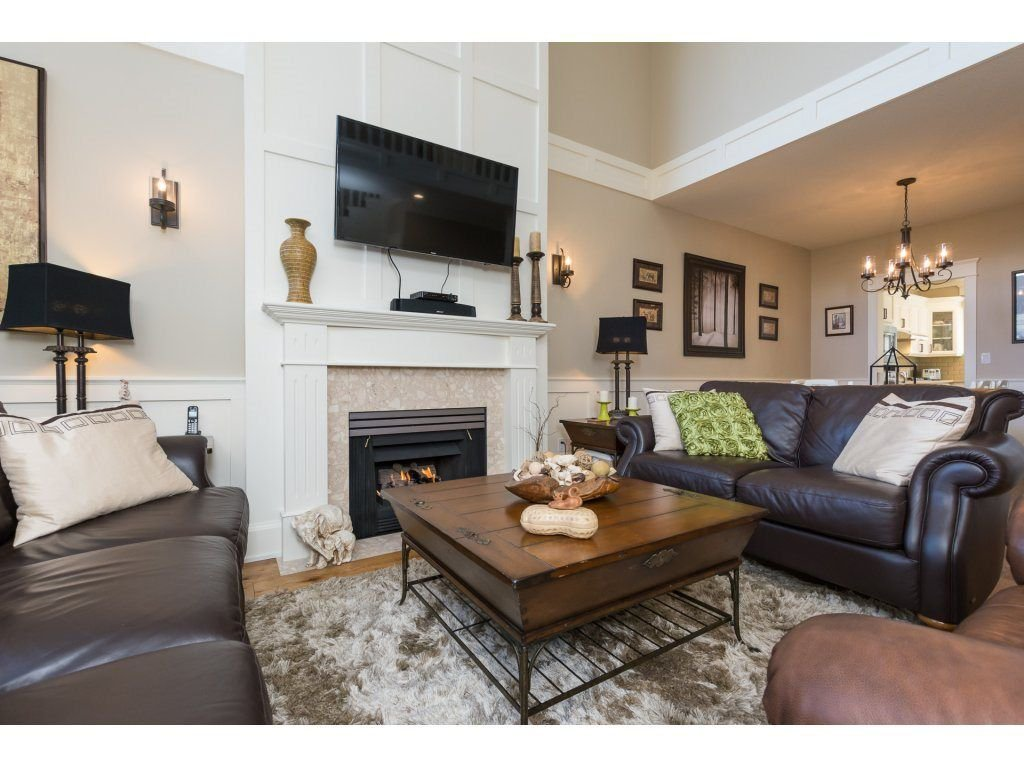 """Photo 5: Photos: 31 2688 150 Street in Surrey: Sunnyside Park Surrey Townhouse for sale in """"Westmoor"""" (South Surrey White Rock)  : MLS®# R2256437"""