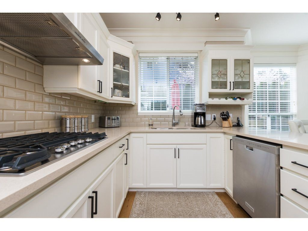 """Photo 14: Photos: 31 2688 150 Street in Surrey: Sunnyside Park Surrey Townhouse for sale in """"Westmoor"""" (South Surrey White Rock)  : MLS®# R2256437"""